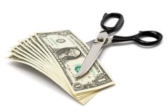 Q3.手続き代行費用や現地のサポート料はかかりますか?