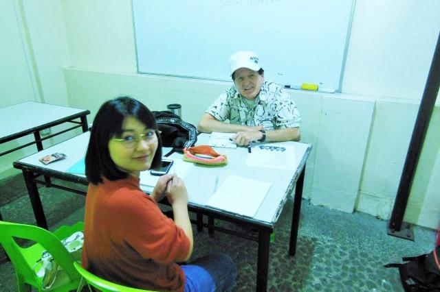 勉強に集中させるプログラムと生活環境を提供する学校
