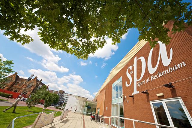 イギリス・アメリカで展開しているオンキャンパス型の進学に強い人気語学学校