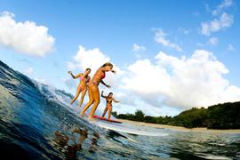 美しいビーチと常夏の島でアクティビティを楽しめる