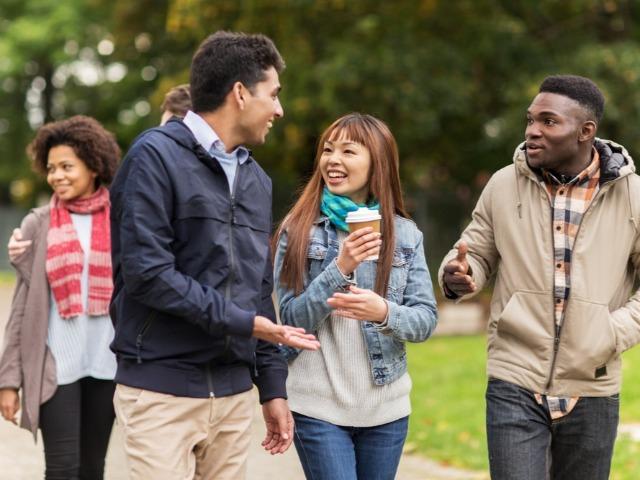 Q4.学校にはどのような国籍の学生がいますか?
