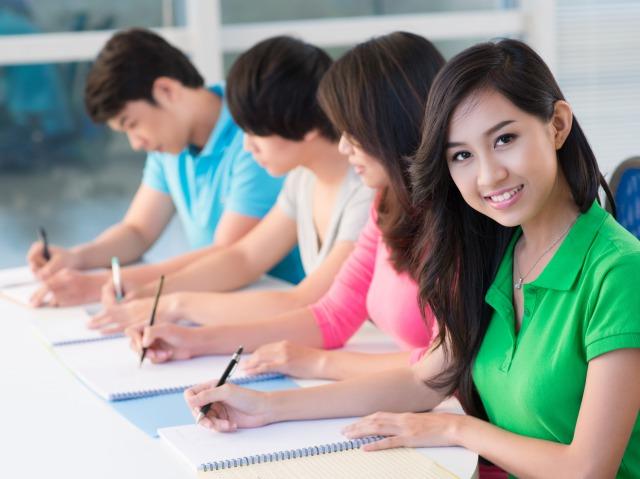 Q1.語学学校にはどういったコースがありますか?