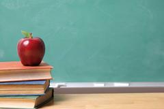 Q3.学校の申し込みは何週間からできますか?