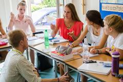 Q1.英語は初心者ですが授業についていけますか?