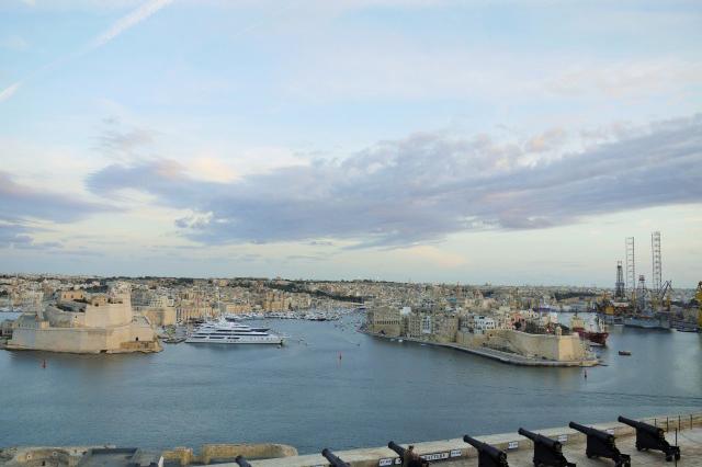 歴史的建造物で溢れる政治経済のメイン都市、マルタの首都ヴァレッタ