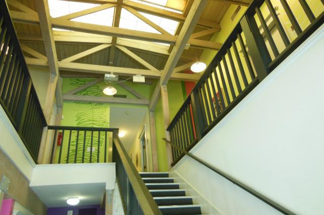 ハイクオリティな設備と環境で自分の可能性を広げられる学校