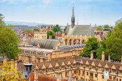 Q1.イギリスの学校はどこがお勧めですか?
