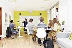 Q8.スピーキングに特化した学校を教えてください。