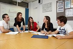 Q11.ロンドンの少人数制の学校を教えてください。