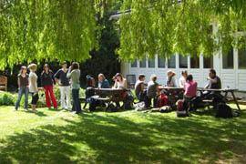 Cambridge Academy of English (CAE)