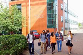 london_others_embassy01.jpg